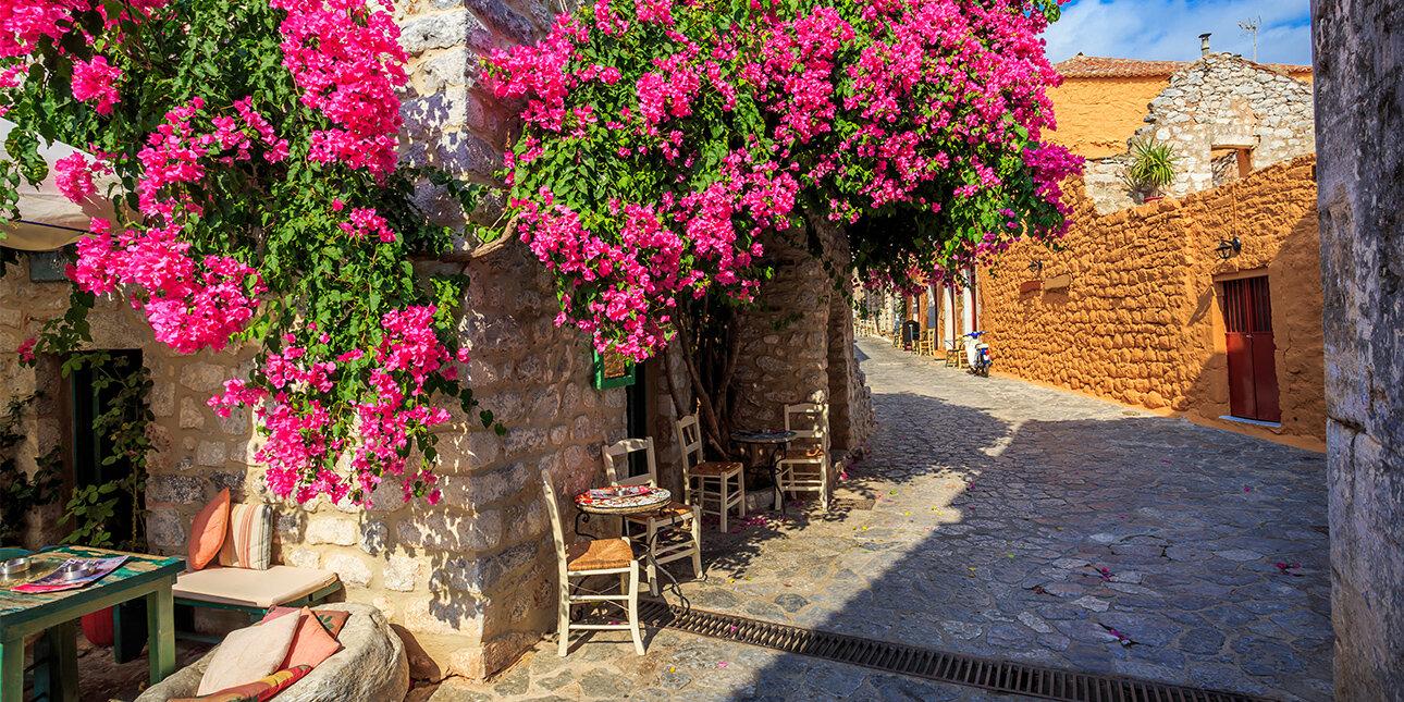 Straße in Peloponnes_Aeropolis Stadt_Griechenland