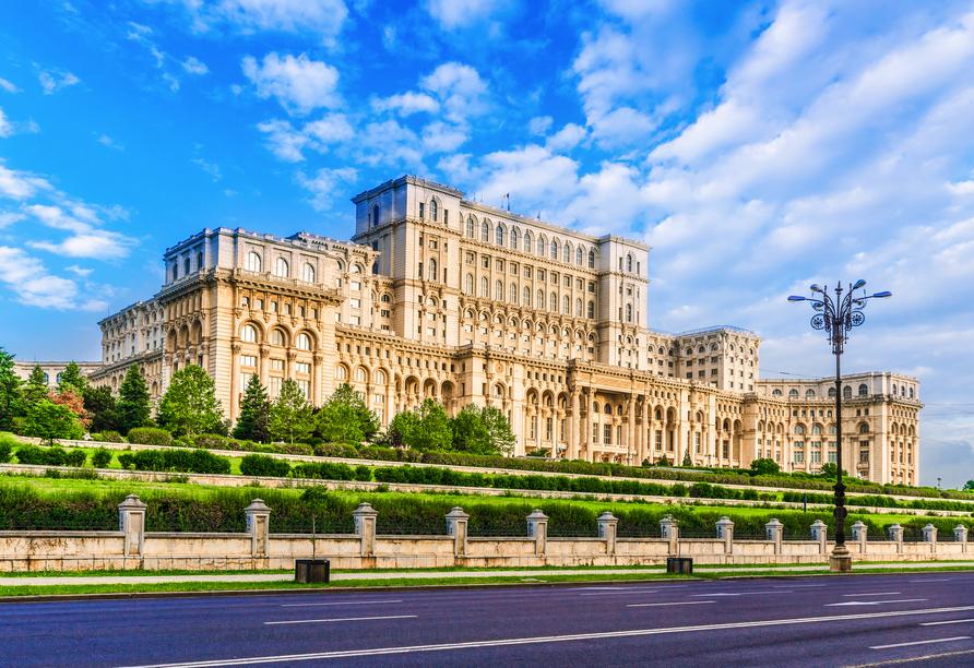 Freuen Sie sich auch auf eine Stadtrundfahrt durch die Hauptstadt Rumäniens, Bukarest.