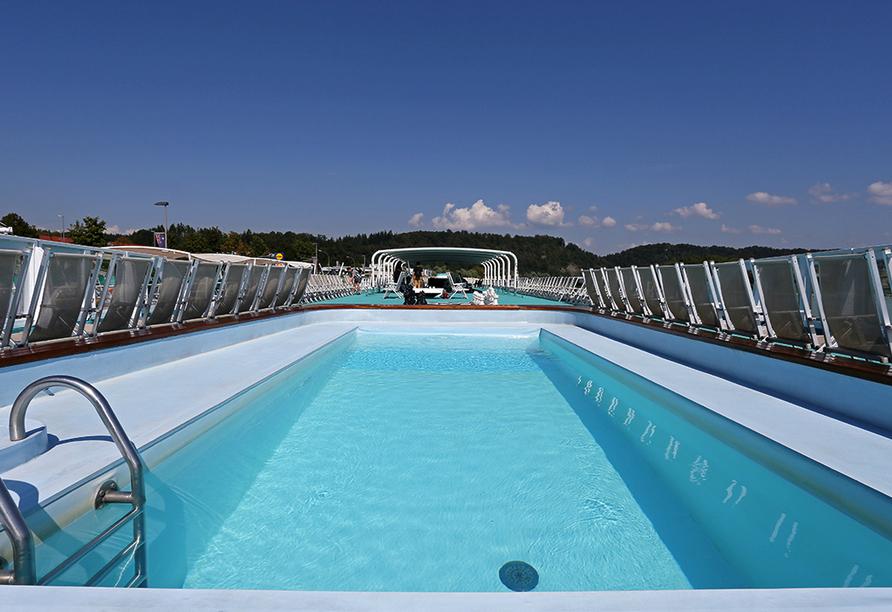 MS Sofia, Pool