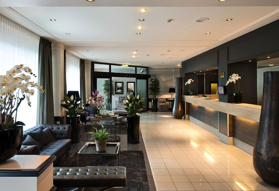 Die Lobby vom Parkhotel Hamburg Arena.