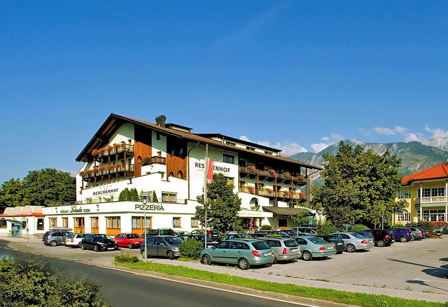 Hotel Reschenhof in Mils Tirol, Außenansicht