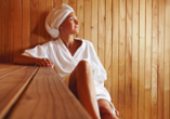 Entspannen Sie bei ruhigen Momenten in der Sauna.