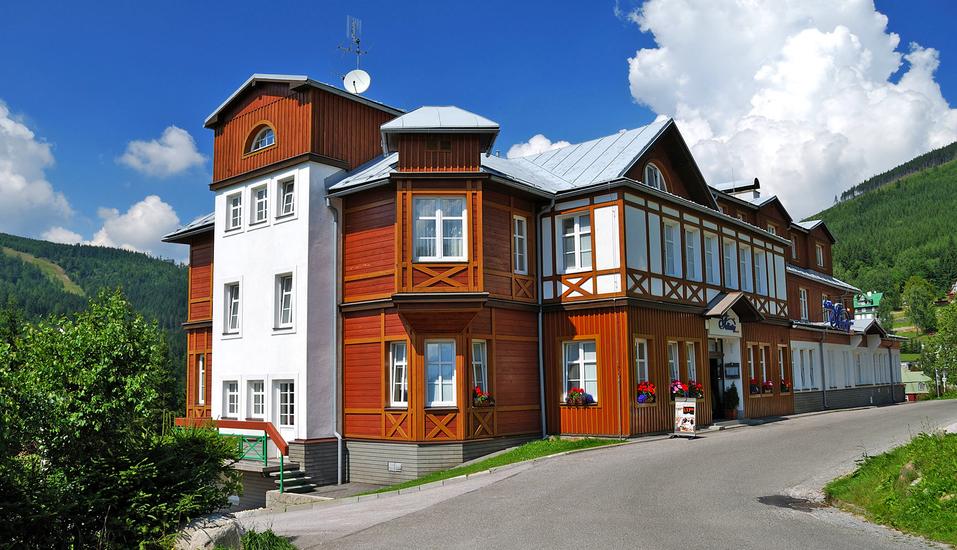 Hotel Snezka Spindlermühle Riesengebirge Tschechien, Außenansicht