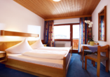Hotel Taxacher in Kirchberg, Tirol, Österreich, Zimmerbeispiel