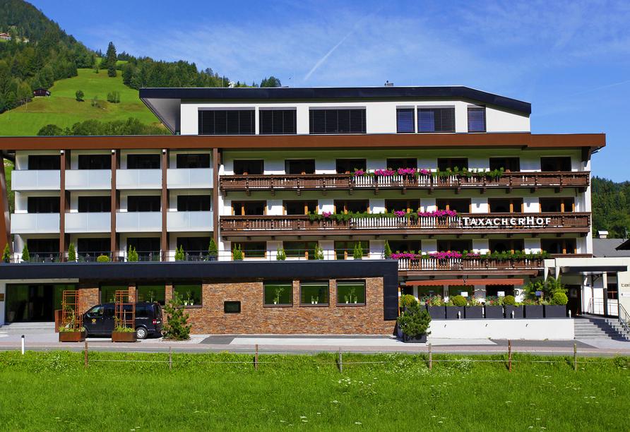 Hotel Taxacher in Kirchberg, Tirol, Österreich, Außenansicht