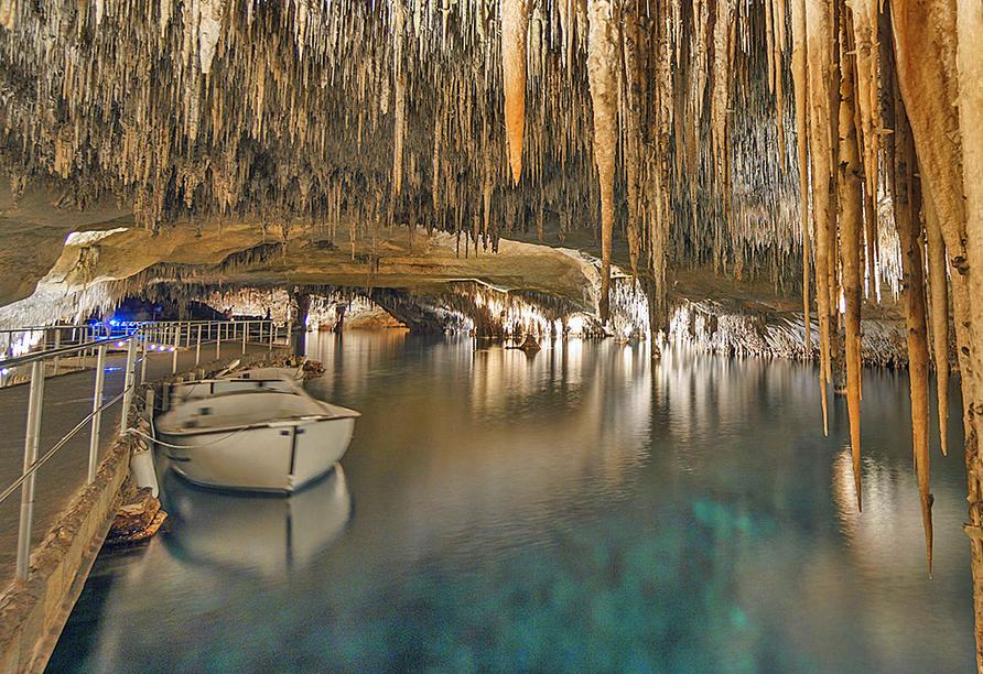 An einem Ihrer freien Tage bietet sich ein Besuch der berühmten Drachenhöhle in Porto Cristo an.