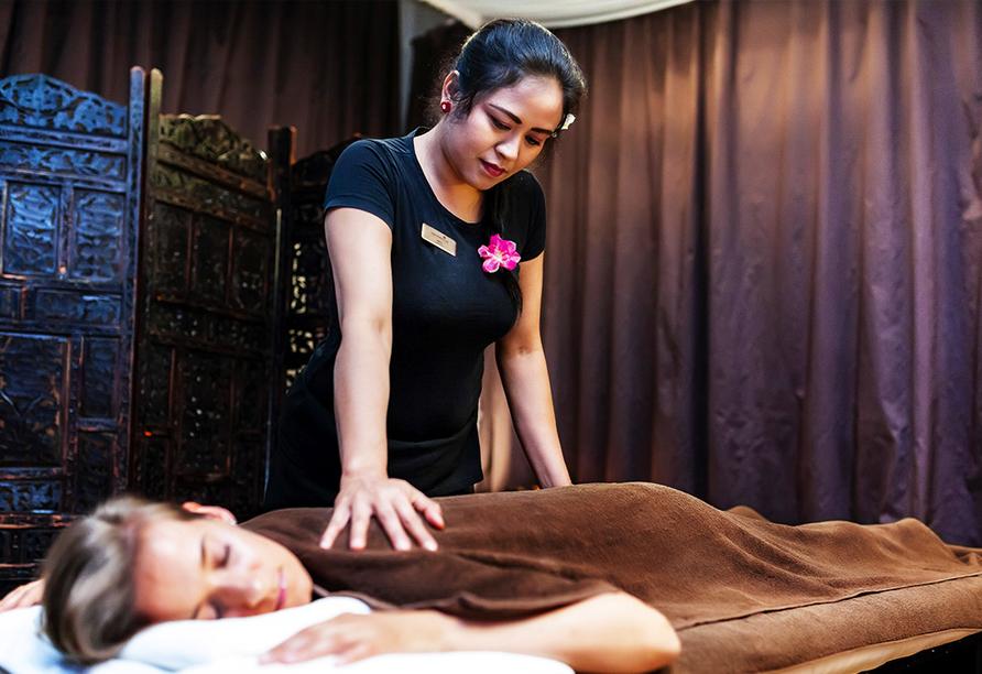 Gönnen Sie sich eine Massage und starten Sie wohlerholt ins neue Jahr.