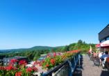 Rhön Park Aktiv Resort in Hausen-Roth in der Rhön, Terrasse