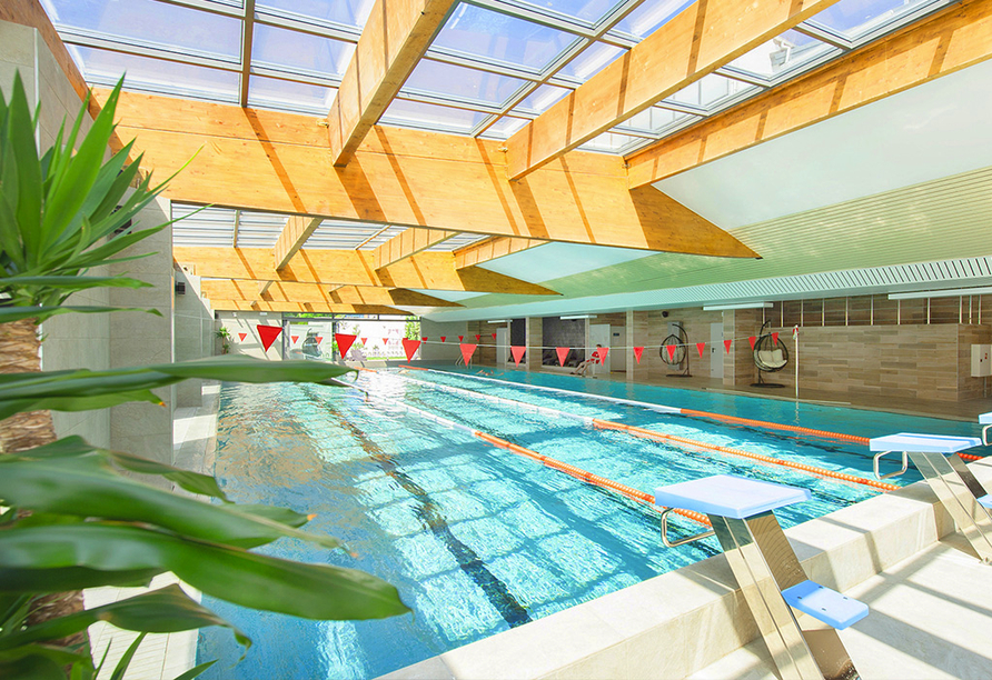 Hotel Sandra Spa Pogorzelica, Sportschwimmbecken
