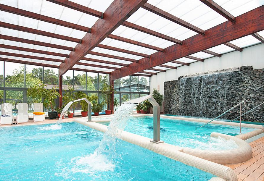 Hotel Sandra Spa Pogorzelica, Hallenbad mit Whirlpool
