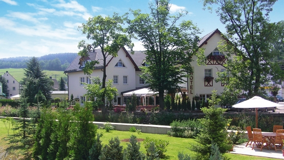 Das Erzgebirgshotel Bergschlösschen im Sommer.