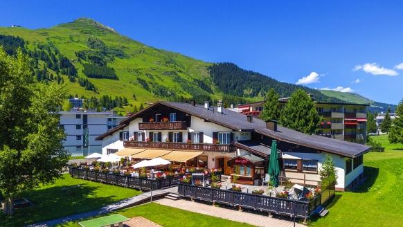 Hotel Bünda Davos in Graubünden, Außenansicht