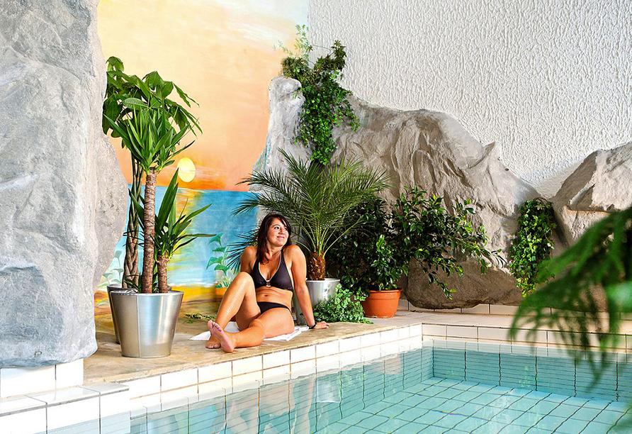 Rheinhotel Vier Jahreszeiten, Hallenbad