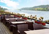 Rheinhotel Vier Jahreszeiten, Terrasse