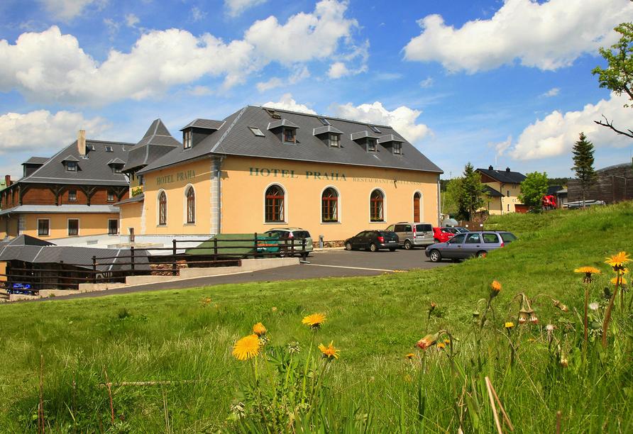 Hotel Praha in Gottesgab im Erzgebirge in Tschechien, Außenansicht