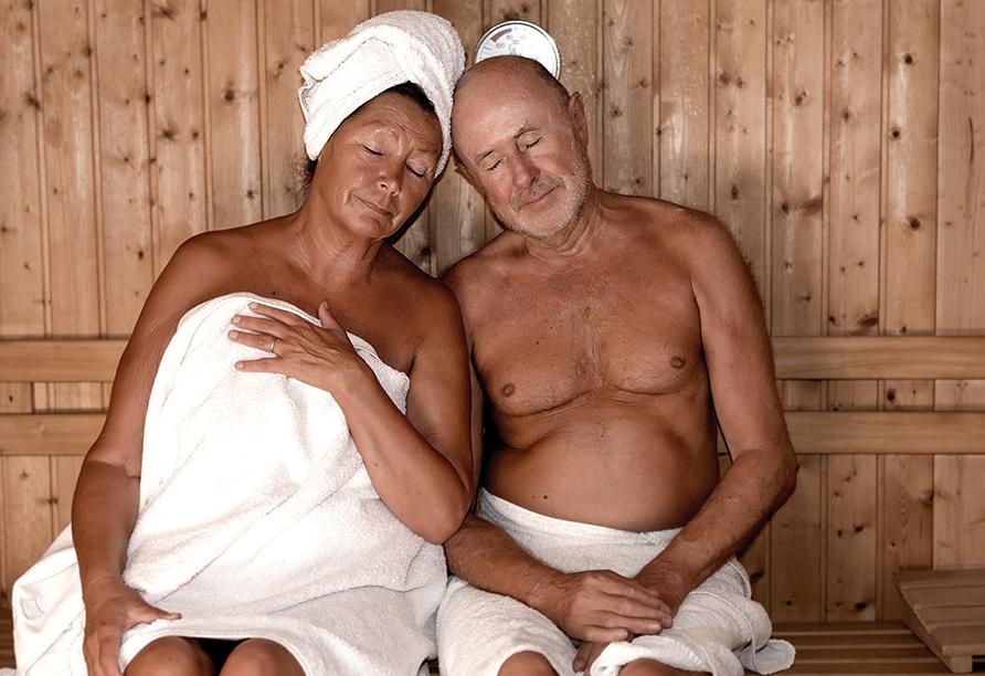 Ferienpark Benz auf Usedom, Paar in der Sauna
