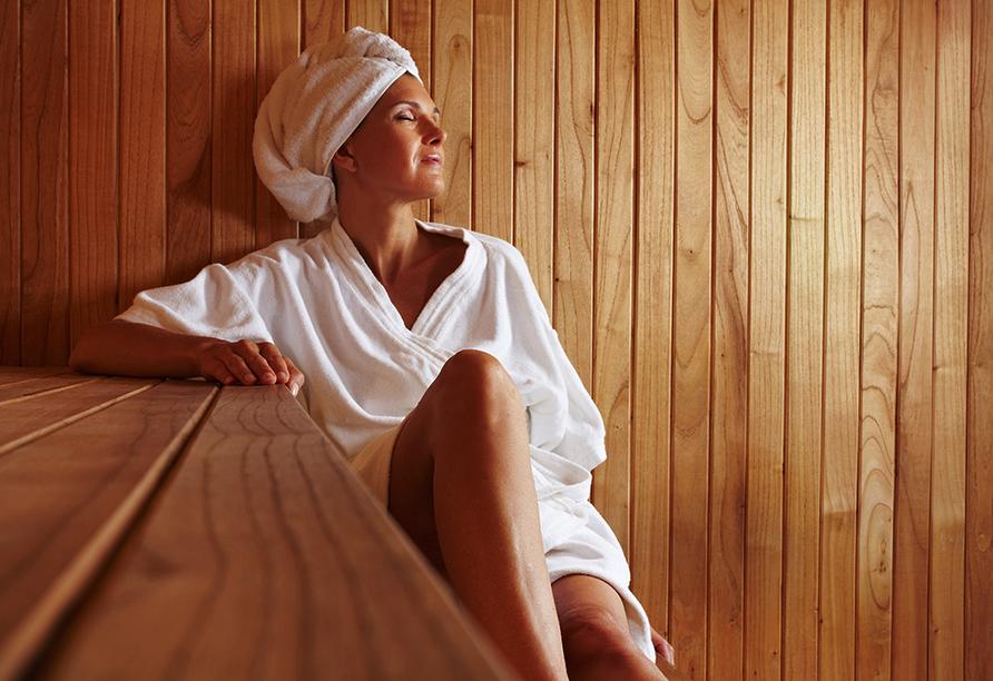 Spree-Waldhotel Cottbus in Brandenburg, Frau in der Sauna