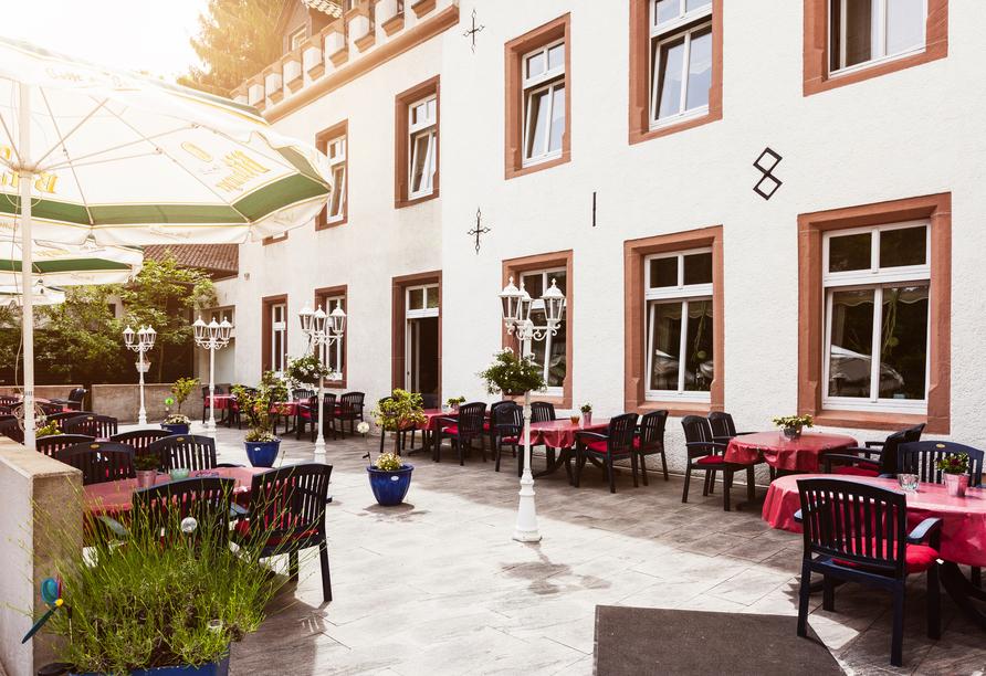 Hotel Klostermühle in Heimbach in der Eifel Terrasse