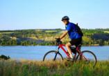 Fahrrad fahren am Fluss