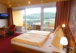 WohlfühlhotelWALDCAFÉ JÄGER in Bad Driburg, Beispiel Doppelzimmer Komfort Fernblick