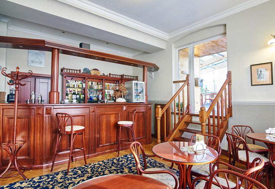 Hotel Jantar Spa in Kolberg, Bar und Café