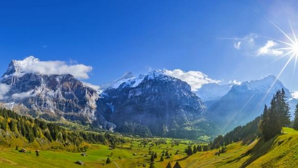 Eiger Selfness Hotel in Grindelwald, Blick auf Eiger, Mönch und Jungfrau