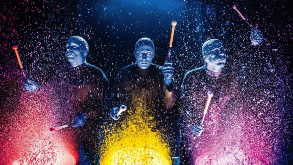 BLUE MAN GROUP, Farbtrommeln
