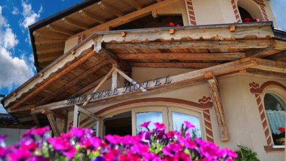 Hotel Miraval, Eingang
