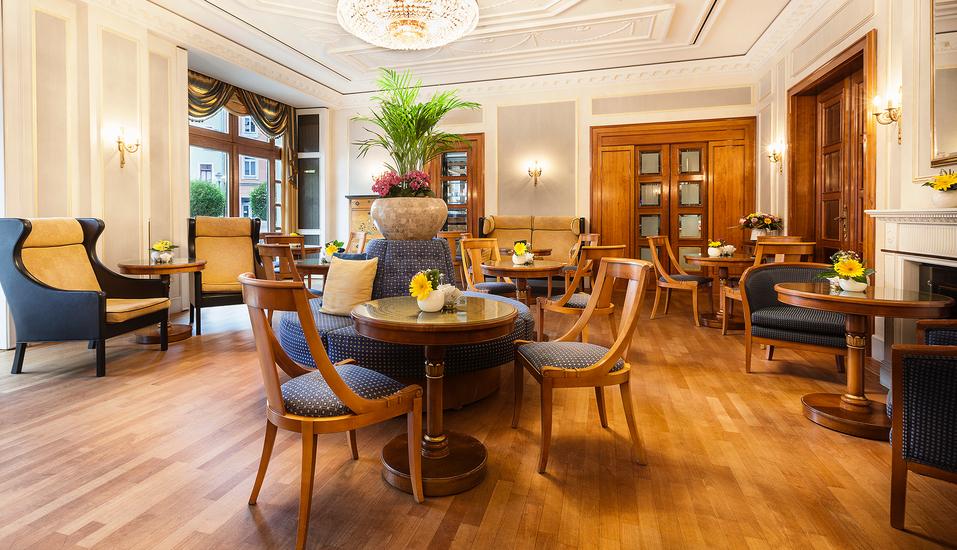 Best Western Premier Grand Hotel Russischer Hof, Kaffeehaus