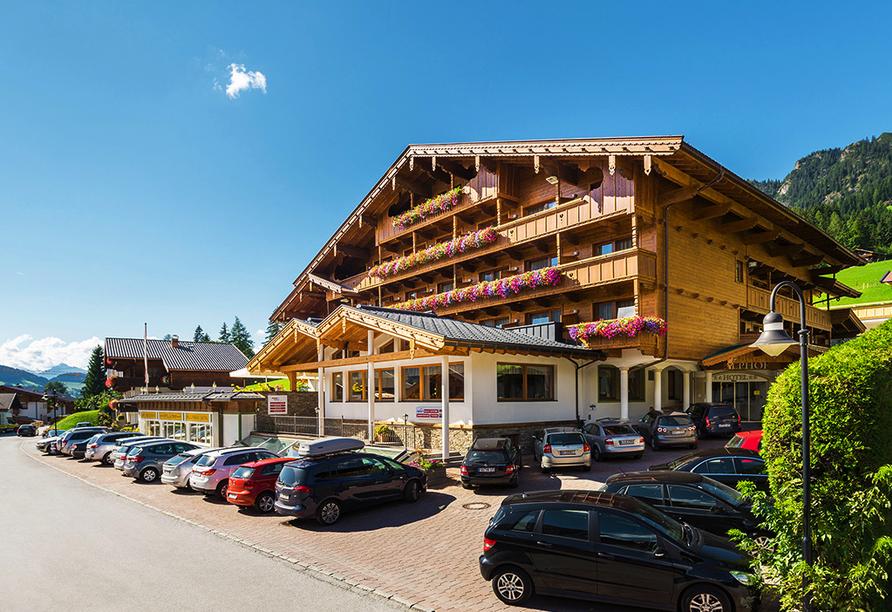 Hotel Alphof in Alpbach, Außenansicht