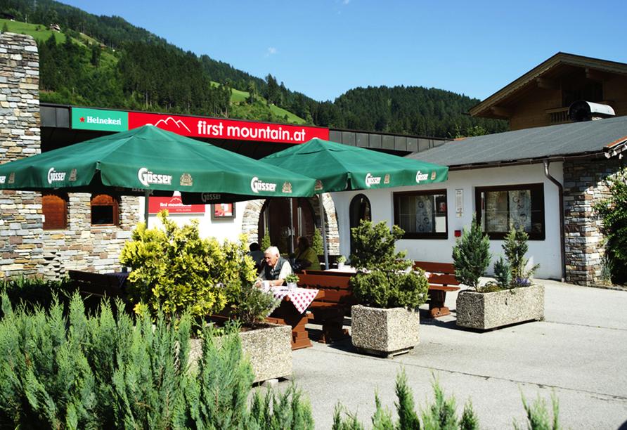 First Mountain Hotel Zillertal in Aschau, Terrasse