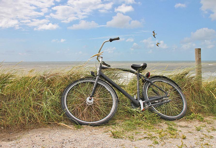 Kurhaus Sobotka in Swinemünde an der Polnischen Ostsee, Fahrrad
