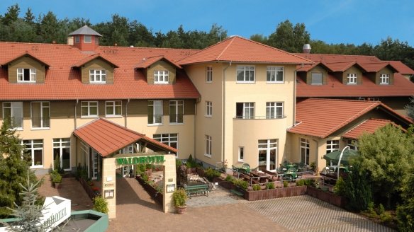 Waldhotel Roggosen in Neuhausen an der Spree Außenansicht