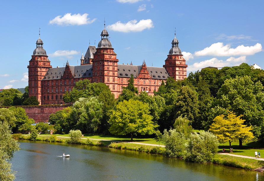 Best Western Hotel Brunnenhof in Weibersbrunn, Schloss Johannisburg in Aschaffenburg