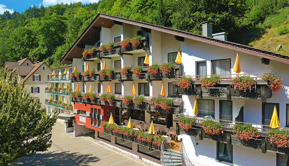 Flair Hotel Sonnenhof in Baiersbronn im Schwarzwald, Außenansicht