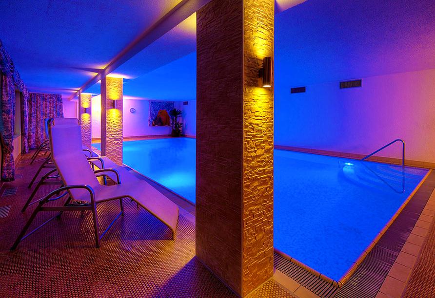Flair Hotel Sonnenhof in Baiersbronn im Schwarzwald, Schwimmbad