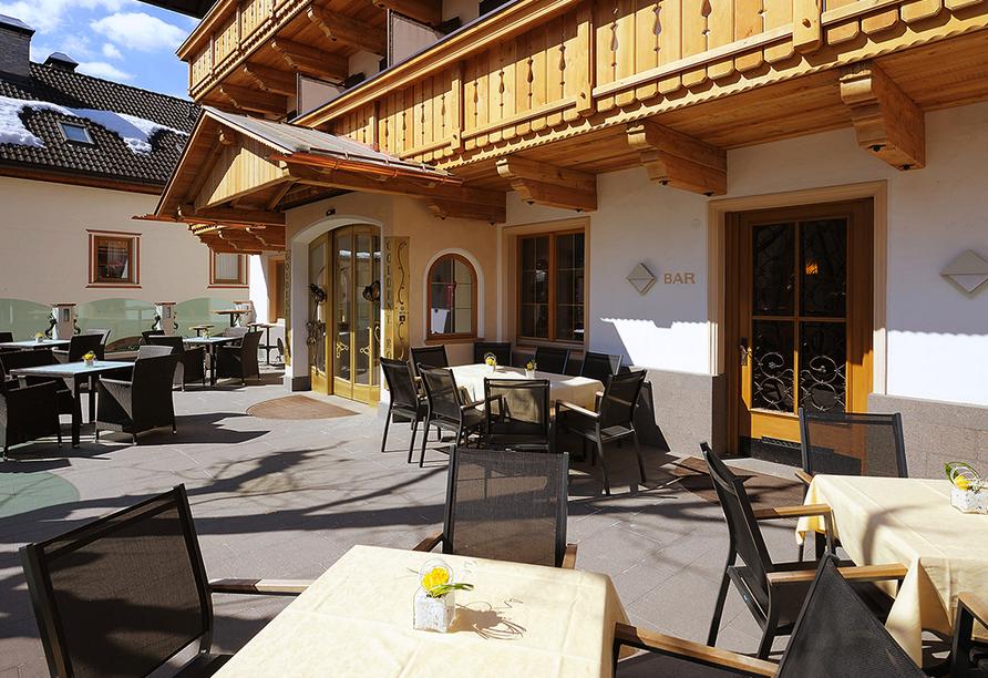 Hotel Goldene Rose in Welsberg, Terrasse