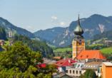 Aparthotel Ferienalm, Schladming, Steiermark, Österreich, Gemeinde mit Kirche