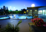 Hunguest Hotel Pelion in Tapolca, Pool bei Nacht