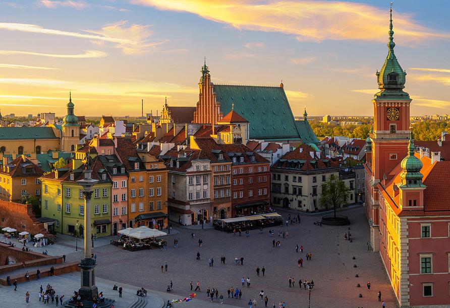 Die historische Altstadt besteht seit dem 13. Jahrhundert und gilt als ältester Stadtteíl Warschaus.