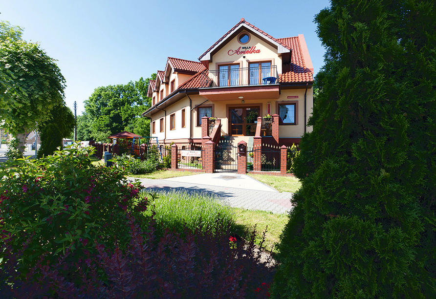 Hotel Willa Arielka/Willa Florek in Rewal, Außenansicht