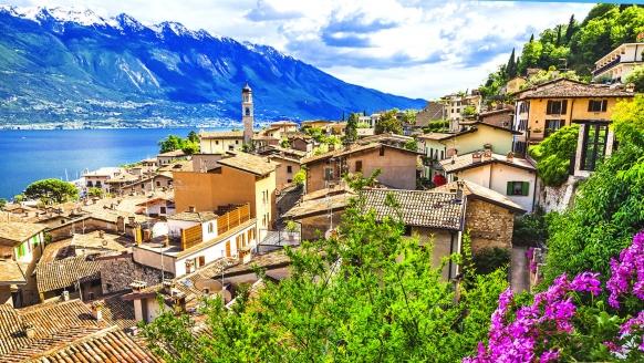 Wunderschöner Blick auf Limone sul Garda am Gardasee