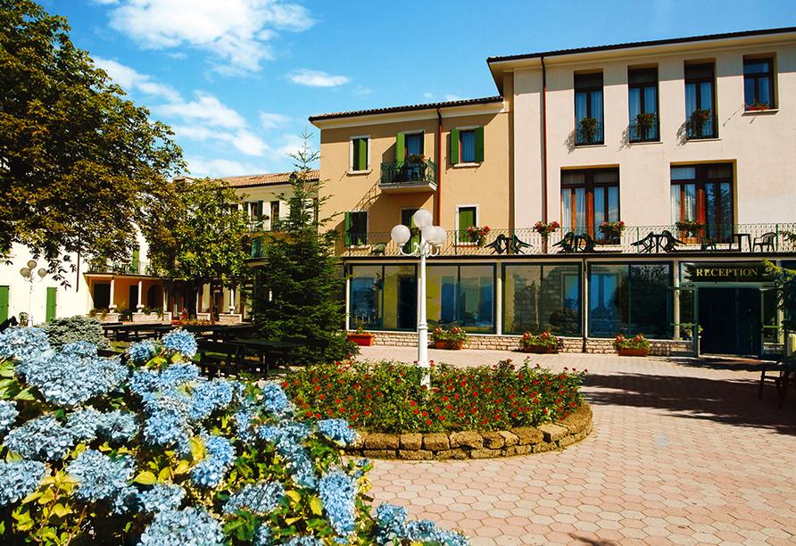 Park Hotel Jolanda in San Zeno di Montagna am Gardasee, Außenansicht