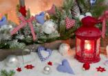 CAREA sunotel Kreuzeck in Goslar-Hahnenklee, Weihnachtliche Dekoration mit Laterne