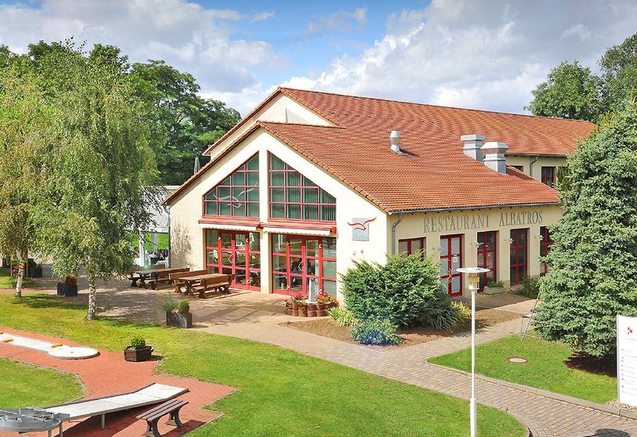 Hotel Acamed Resort Nienburg-Neugattersleben, Außenansicht