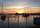 Ostsee Resort Dampland, Hafen und Sonnenuntergang