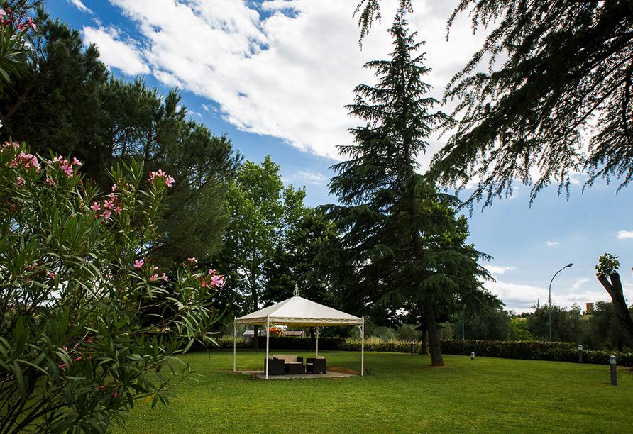Hotel Executive, Garten