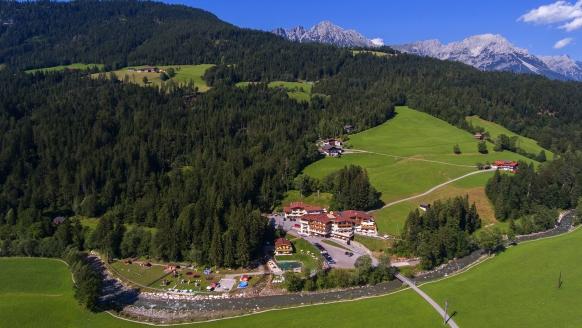 Hotel Berghof, Panoraamaansicht Sommer