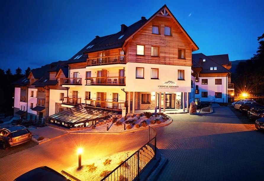 Cristal Resort, Schreiberhau, Riesengebirge, Polen, Außenansicht bei Nacht