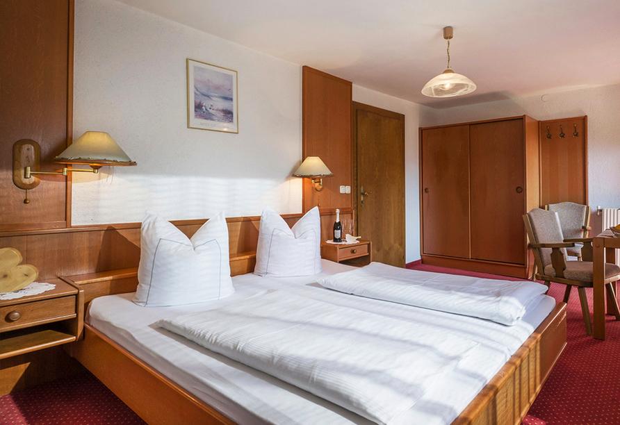 Hotel Enzian in Pertisau am Achensee, Zimmerbeispiel
